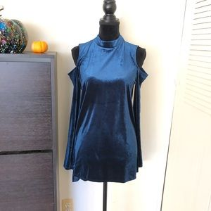 Nordstrom Halogen Cold Shoulder Velvet Top